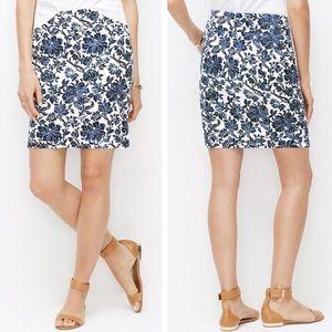 Ann Taylor Blue & white floral pencil skirt